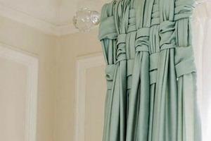 Рамки и шторы: свекровь рассказала, как сделать дешевый интерьер богатым