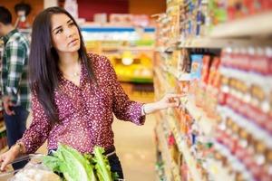 Катя покупала продукты и услышала разговор крестницы. Она поняла, что у нее больше нет подруги