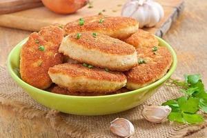 Сливочные куриные котлеты, которые понравятся абсолютно всем: пошаговый рецепт