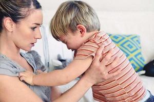 Агрессивные дети не виноваты в том, что они такие злые. Причина в родителях