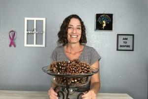Насобирала шишек в лесу и сделала натуральную ароматическую чашу для дома: в комнатах благоухает