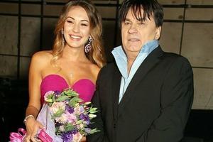 Александр Серов вспомнил свадьбу своей красавицы-дочери