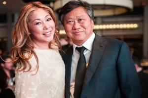 """""""На территории нашего загородного дома"""": как Анита Цой отпраздновала 30-ю годовщину своей свадьбы с мужем (фото)"""