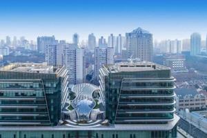 В Китае строят новый торговый центр, который будет совмещен с офисами. Выглядит он просто космически