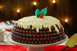 Чтобы приготовить трехслойный шоколадный торт, духовка мне не нужна – только миксер и холодильник: делюсь рецептом