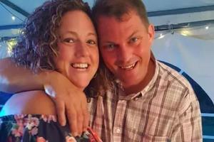 Шарон и Марк, Алекс и Лора – пары, у которых из-за коронавируса свадьба не состоялась. Что предприняли влюбленные