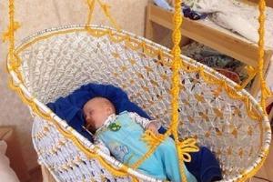 В колыбельке, сделанной своими руками, малыши лучше спят и чувствуют заботу мамы. Представляем лучшие работы мастеров макраме