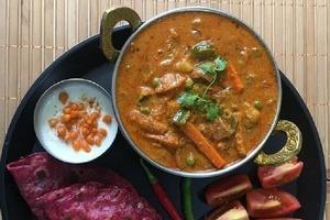 Свекольные лепешки и вегетарианский карри: добавила нотку Индии в семейный ужин