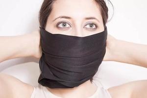 Как сделать маску из обычной старой футболки за 10 минут без сшивания