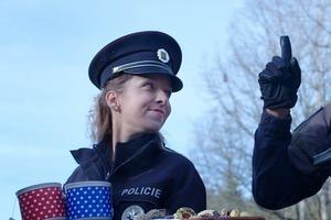 Включила чешский телеканал и не поняла, почему у них открыто говорят о том, что полиция ворует (но интернет все прояснил)