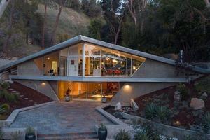 """Архитектура и дизайн """"Треугольного дома"""" в Тарзане, некогда принадлежавшего автору одноименной книги: 10 фото"""