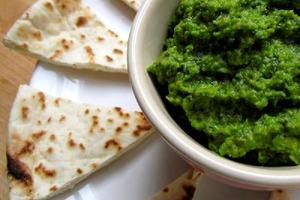 Зеленый горошек и свежая мята: рецепт необычного хумуса