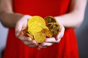 Совсем недавно узнала, что деньги можно привлечь с помощью закона притяжения: мое финансовое положение значительно улучшилось