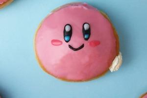 Яркие и милые пончики с кремом для всех фанатов игры Kirby: простой рецепт