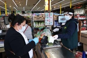 Составляйте список покупок заранее: как уберечься от коронавируса в общественных местах