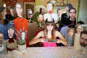 Я отметила день рождения в компании своих друзей, но все они были из бумаги: фото с праздника
