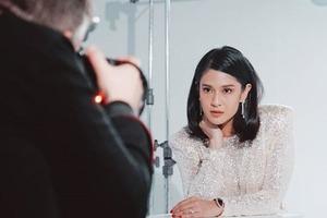 Актриса загрузила фотографию для обложки журнала: оказалось, что великолепный снимок был сделан на мобильный телефон