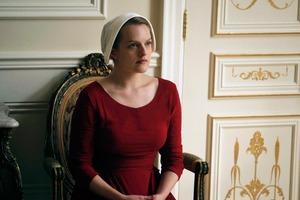 """После """"Рассказа служанки"""" для Элизабет Мосс приготовлен новый проект: актриса сыграет домохозяйку Кэнди Монтгомери, превратившуюся в убийцу"""