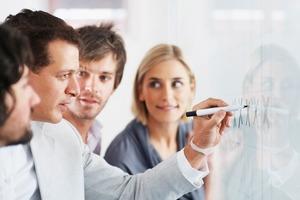 Простота, эмпатия, обратная связь и другие принципы гибкого управления любой компанией