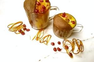 Если в доме заканчиваются вкусняшки, а в магазин идти лень, готовлю кофейный кекс с заварным кремом прямо в кружке: получается очень вкусный
