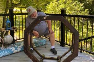 Возрождение винтажного журнального столика: у моего дедушки золотые руки