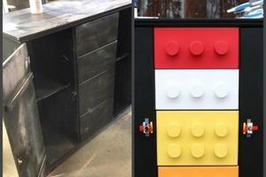 Достала старый шкаф из сарая и превратила его в милый комод «Лего»: сын в восторге