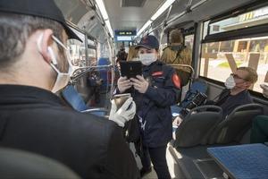 Без маски - штраф: несмотря на усиленное информирование, почти 40 тысяч пассажиров Москвы были оштрафованы за несоблюдение масочного режима
