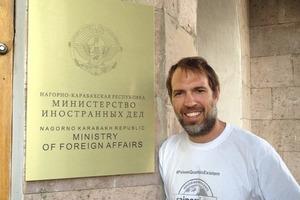 """Бразильский писатель-путешественник побывал в 16 """"несуществующих странах"""" (в список вошли Сомалиленд, Нагорный Карабах и не только)"""