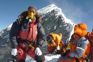 8 августа - День альпиниста. Традиции и обычаи: вежливость как оружие, помощь не просят, а предлагают