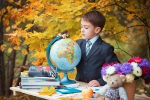 Первый раз в первый класс: научите ребенка делать выбор и просить то, что ему нужно