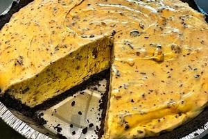 Арахисовое масло смешиваю со сливочным сыром, а затем выпекаю: рецепт нежного и очень вкусного пирога