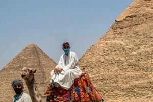 Достопримечательности снова открыты для посещения: 10 фото, иллюстрирующие туризм во время пандемии