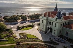 Отель Vila Foz, расположенный на берегу океана в Порту, открылся в прошлом году, и туристы рассказали о своем отдыхе