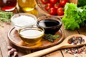 Сливочный бальзамический соус с травами и не только. Рецепты заправки из бальзамического уксуса для салатов
