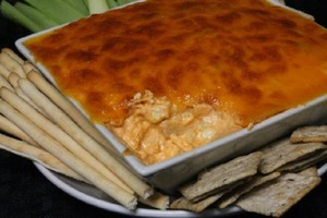 Ароматная намазка для крекеров или бутербродов: сверху посыпаю сыром и запекаю в духовке, чтобы получилась хрустящая корочка