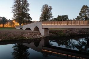 В Ирландском городке построили мост, чтобы студентам было легче добираться до студгородка. Сразу видно, работал дизайнер