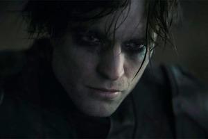 """Первый трейлер долгожданного """"Бэтмена"""": таинственные послания Роберту Паттинсону, острые коготки Женщины-кошки"""