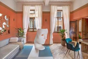 Владельцы 1-комнатной квартиры обратились к дизайнерам, чтобы отремонтировать их жилье в самом центре Рима. Что получилось: фото