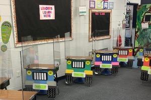 Джипы вместо парт: две учительницы из Флориды придумали, как сохранить безопасную дистанцию в классе