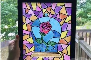 Красивый витраж с розой из стекла, акриловых красок и клея своими руками: фото по шагам