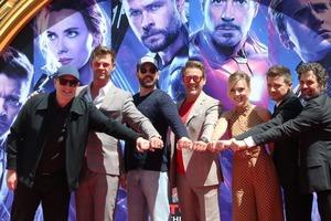 """Дауни-младший или Йоханссон, а может, Брэдли Купер: кто из актеров """"Мстителей"""" получал самые высокие гонорары за съемки"""