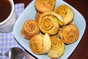 Сдобные булочки с льняным маслом и пажитником: аромат на весь дом