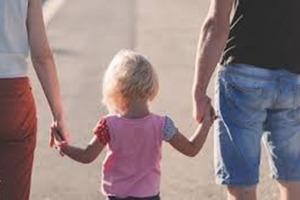 Дети не плохо себя ведут, просто они экспериментируют. Вот почему важно обращать внимание на свое поведение, а не вешать ярлык