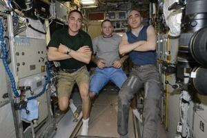 Россия предлагает космическим туристам полеты на МКС по расширенной программе: до 30 суток с «выносом» в открытый космос и спецпитанием