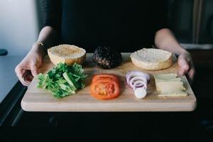 """Перекус на бегу, поедание корочек за детьми: 7 способов попрощаться с """"грустными"""" приемами пищи"""