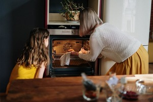 """""""Предварительно разогреть духовку"""": как это правильно делать и нужно ли"""