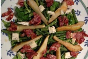 Мой кулинарный эксперимент. Салат с грушами, фасолью, беконом и сыром