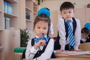 Строгое отношение к форме и уроки шахмат: какие особенности встречаются в школах Казахстана (рассказываю о тех, которые мне нравятся)
