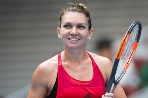 Звезда тенниса Симона Халеп сделала подарок в сотни тысяч евро: она подарила роскошный Bently своему отцу в знак благодарности за поддержку