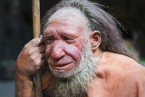 """Ученые готовы """"отодвинуть"""" историю на несколько тысяч лет назад: новое исследование зубов неандертальца показало, что они жили гораздо раньш"""